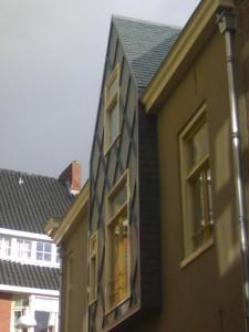 Oude Kijk in 't jatstraat Groningen - Dak en Gevel bekleedt met Natuurstenen Leien